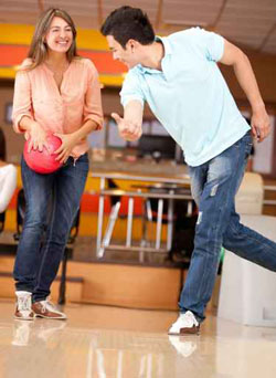 Is Bowling A Good First Date